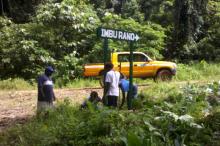 KIBCA Rangers installing a directional signs on Kolombangara's Ring Road
